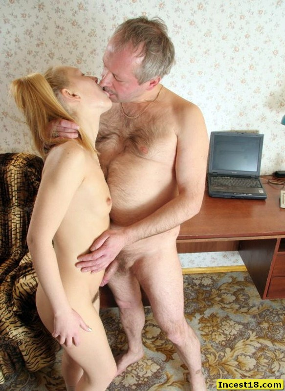 image Cute blonde chick makes me cum with joy